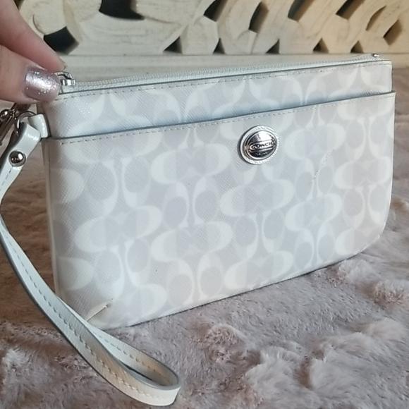 Coach Leather White Gray Signature Wallet Wristlet